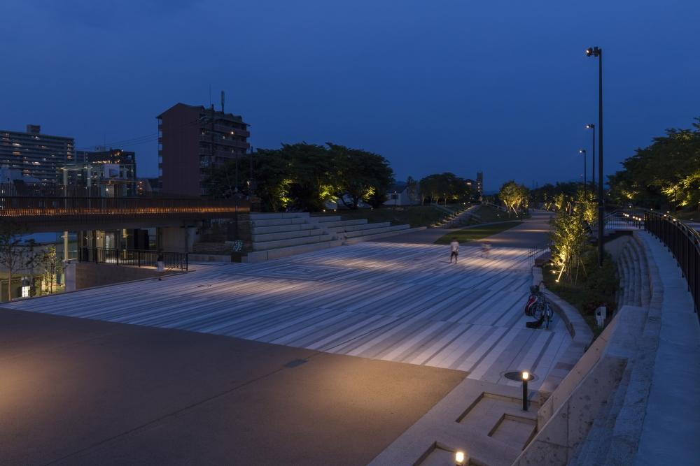 草津川跡地公園